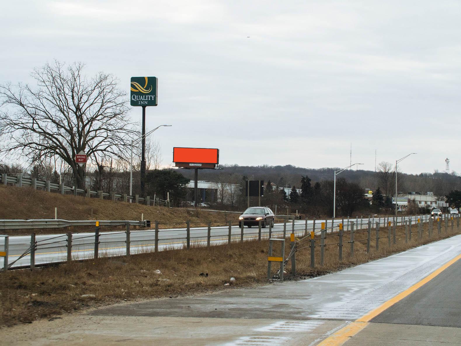 Billboard 109 North (10 x 30) - Geopath: 30655428