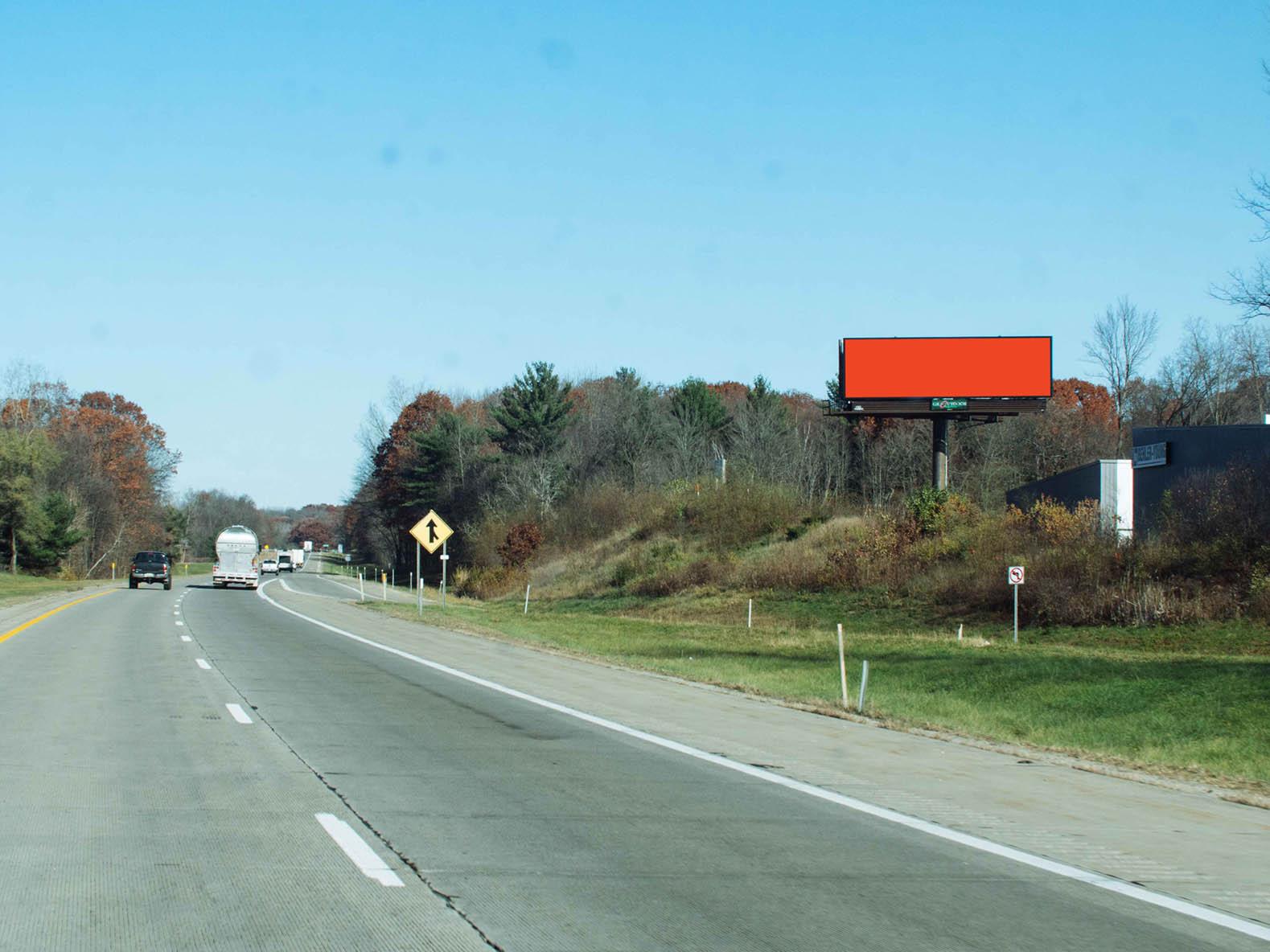 Billboard 123 South (14 x 48) - Geopath: 30722598