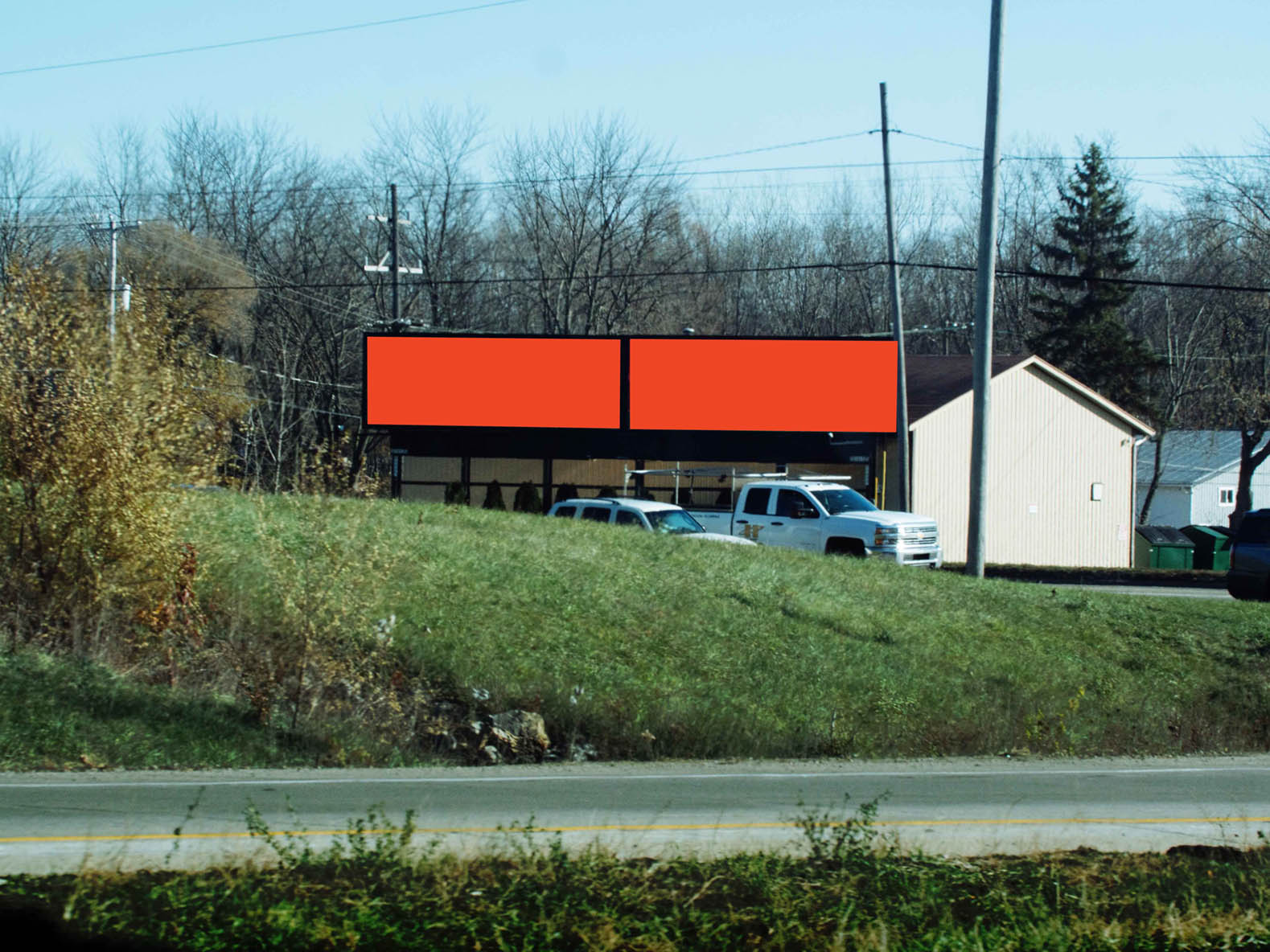 Billboard 421 West (10 x 30) - Geopath: 30655450